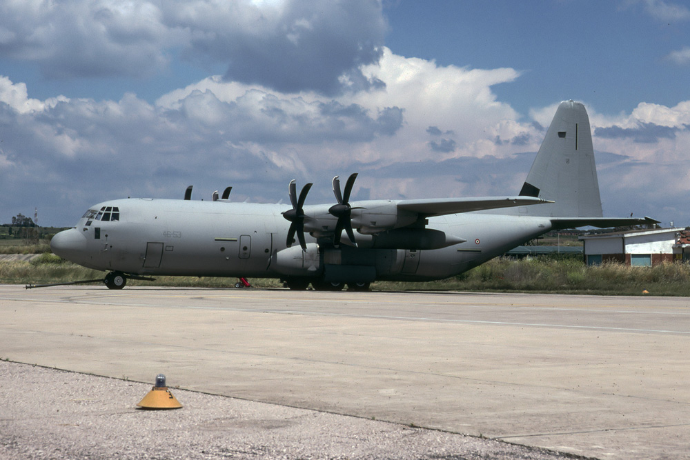 موسوعة طائرة النقل التكتيكي الاحدث C-130J Super Hercules بجميع أنواعها   C130J30_MM62187