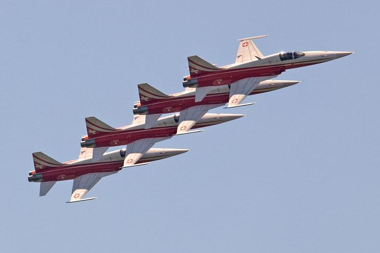 Northrop F-5E/F; El primer caza supersónico mexicano - Página 3 PatrouilleSuisse_SJ