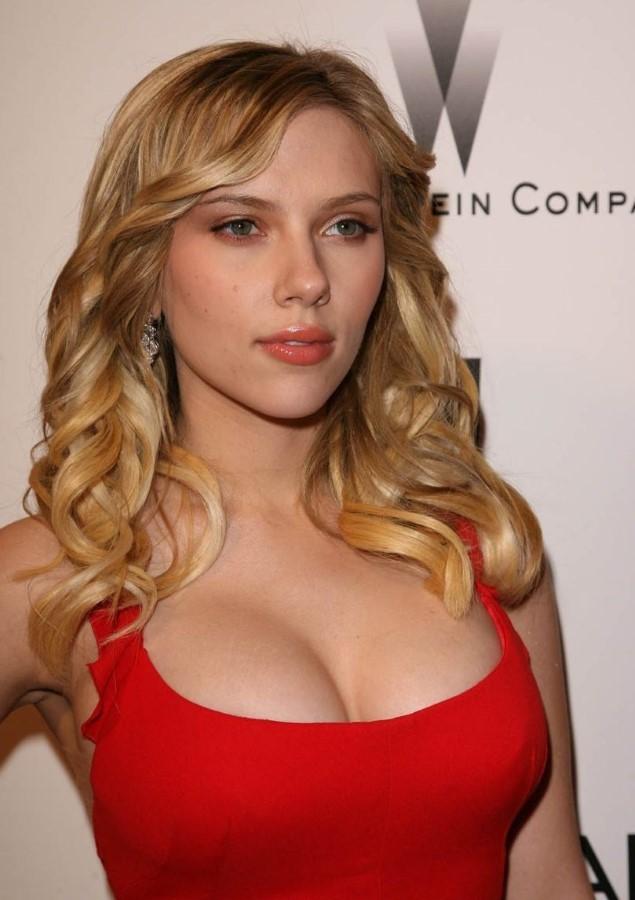  Lujuria Opinión - Página 4 Scarlett-Johansson-before-breast-reduction