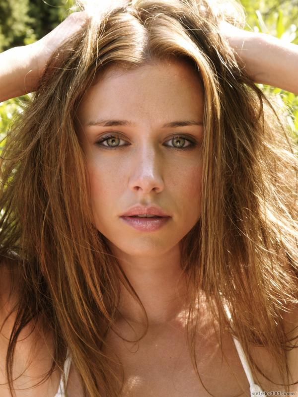 Saturday >> Una Foden - Página 2 Una_Healy_Picture