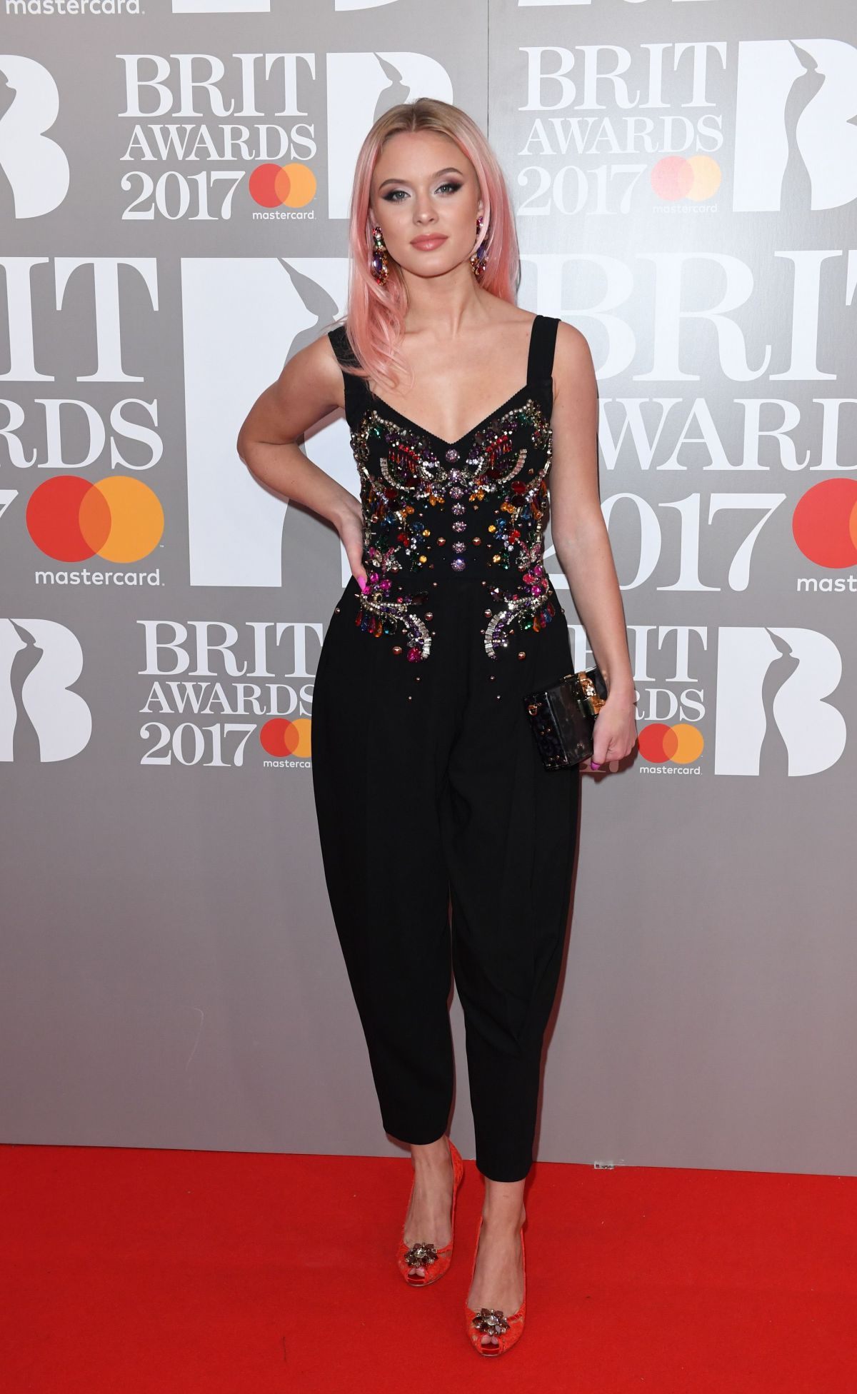 ¿Cuánto mide Zara Larsson? - Real height Zara-larsson-at-the-brit-awards-in-london_1