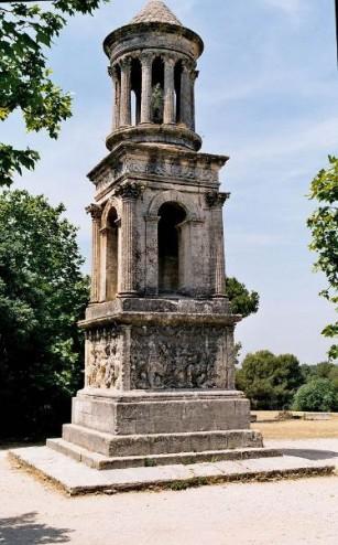 Un monument - Cathy - 8 Décembre- trouvé par Jovany - Page 2 13Glanum02-307x494