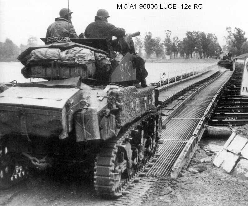 M5A1 Stuart ( Tamiya / Blast au 1/35eme ) M5a1_luce_1-12cuir_2