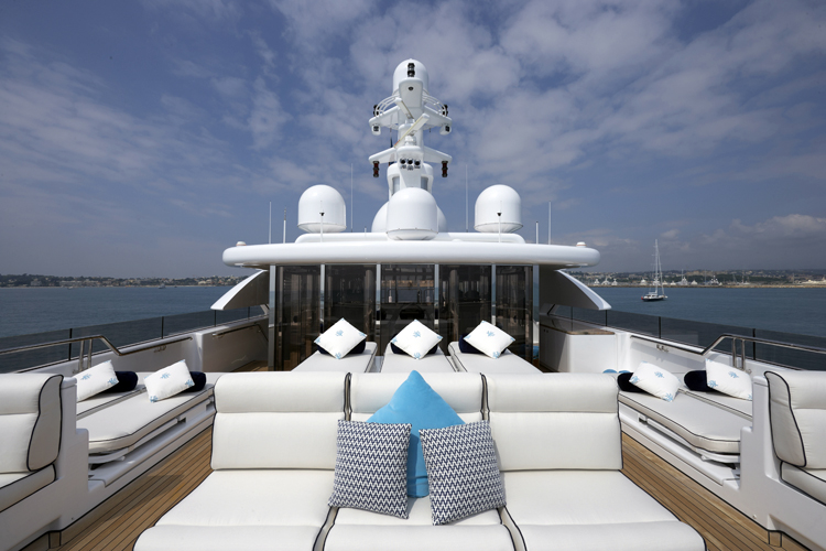 PARADISE ´VIP Superyacht%20TITANIA%20-%20%20Improved%20Sundeck