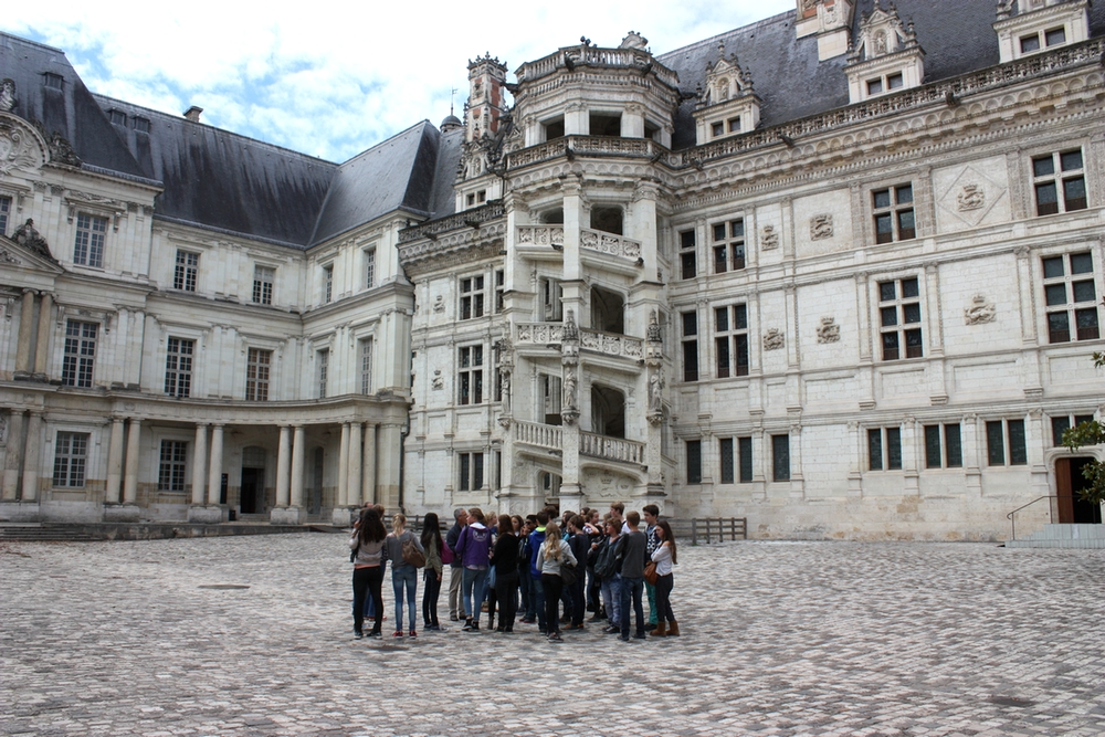 L'Astroville de France ! - Page 3 20454_377_Visite-pedagogique-du-chateau-royal-de-Blois-1