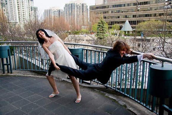 Da se malo nasmejemo - Page 6 Funny-weddings-11