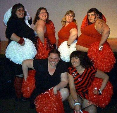 Equipe 15/16 - Page 3 Ugly-cheerleaders10