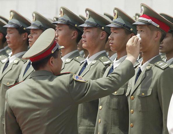 """من يقبل التحدي ؟ كن قائدا في جيش من اقوي جيوش العالم """" الجزء الرابع """" - صفحة 65 151-funny-china-mike"""