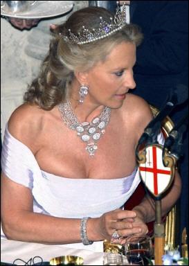 Casa Real de Inglaterra by Macebria - Página 2 Xin_0505012717241613159518