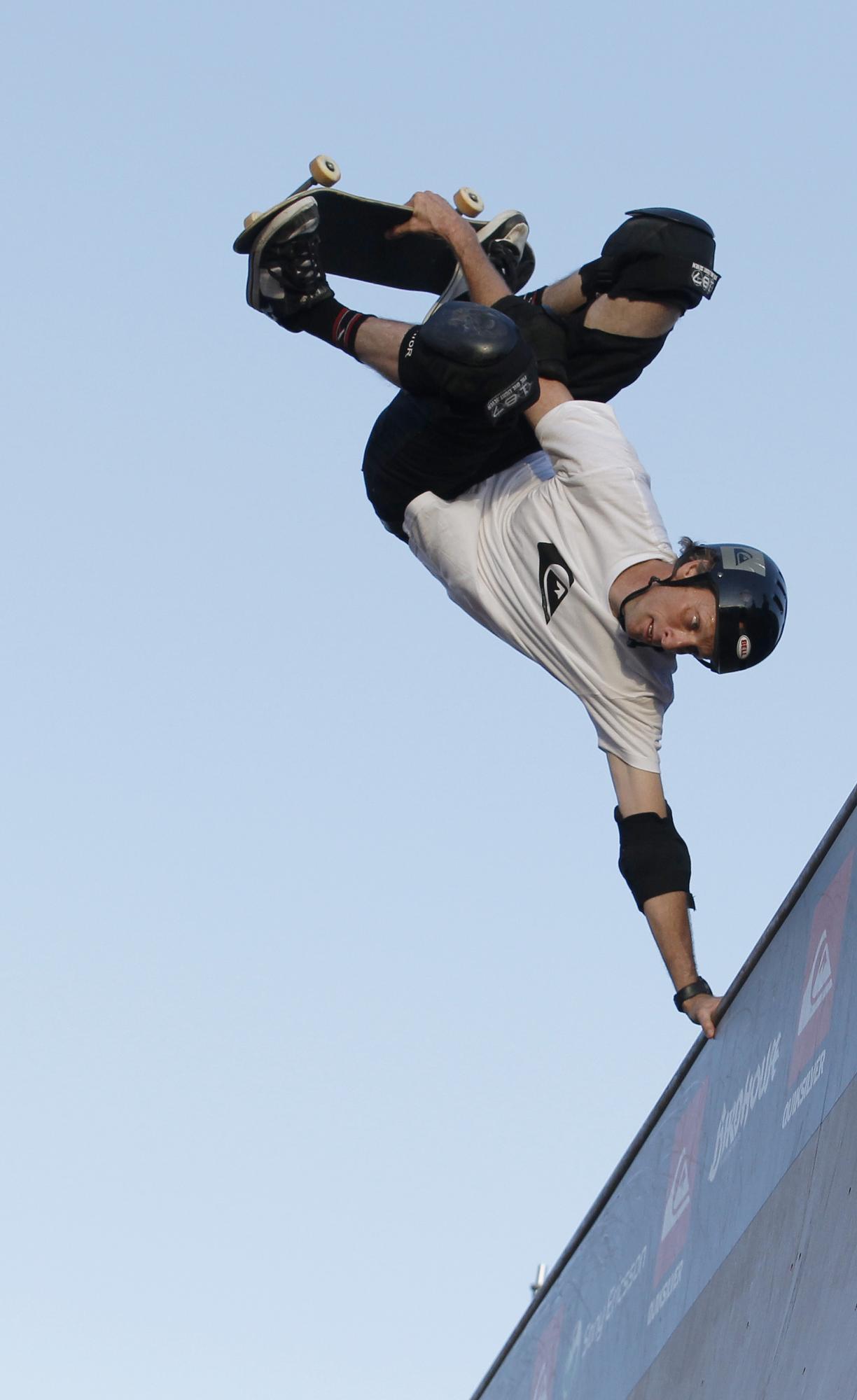 Skateboarding 0013729ece6b0db1ee1e33