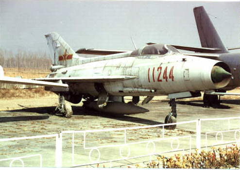VF-5 - Página 11 J7-mig19-01