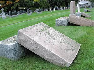 Profanation au salon funéraire et dans les cimetières au Québec St-Denis-sur-Richelieu2