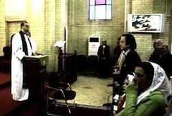 Un petit garcon de 5ans découpé en deux par des islamistes Canon-Andrew-White-in-the-Church-he-baptized-the-child