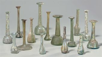 رأيكم يا اهل الخبره  Fifteen_roman_glass_unguentaria_circa_1st-3rd_century_ad_d5385385h