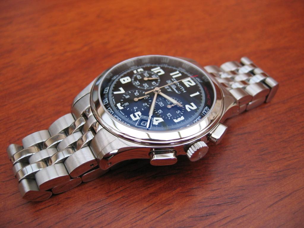 La montre qui va pour toutes les occasions... IMG_2009