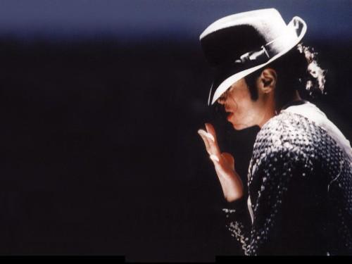 Michael Jackson in posa (anke come modello era bellissimo) - Pagina 2 Michael-jackson