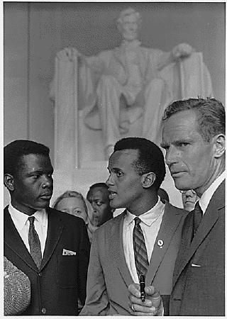 Charlton Heston est mort Poitier_Belafonte_Heston_Civil_Rights_March_1963