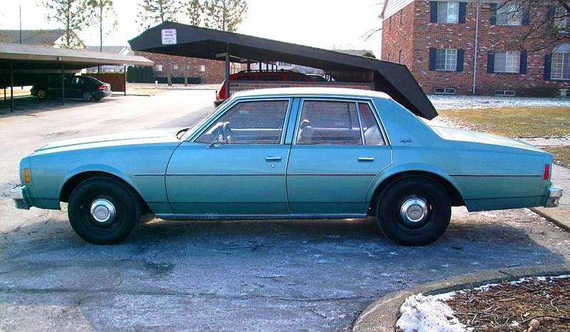 Police hubcaps Chevrolet-1977-Impala-c