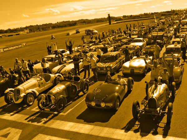 [32] Classic Festival Nogaro - 10 et 11 octobre 2015 Photos-parade