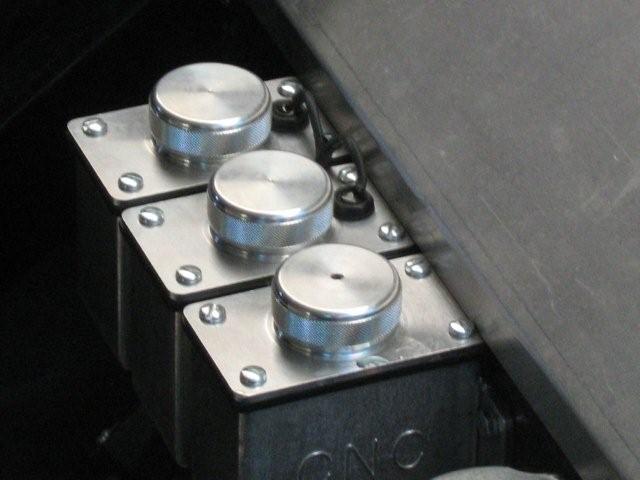 Une jaguar sachant freiner... - Page 7 17352d1285411264-remote-brakefluid-reservoir-fluid-level-sensor-img_2232