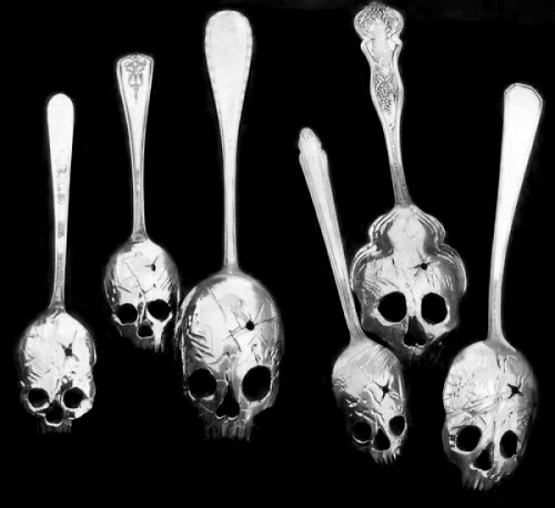 SKULL selon vos envies !!! - Page 4 Cuillere-absynthe
