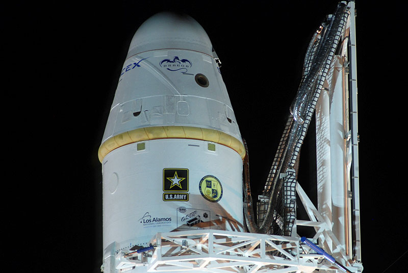 falcon -9 - Falcon 9 (Dragon COTS 1) - CCAFS - 8.12.2010 - Page 4 007