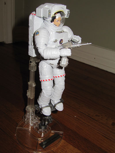 Bandai Hobby ISS Space Suit Extravehicular Mobility Unit 1/10 Exploring Lab Bandai_emu01