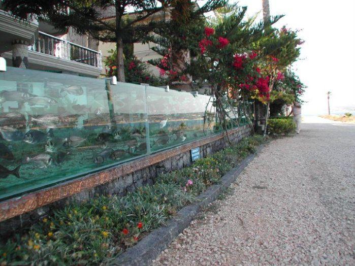 Turska Cesme-aquarium-fence3