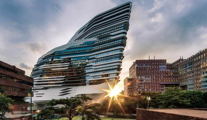 Zaha Hadid vodeći arhitekta sveta i njeni projekti Innovation-Tower-at-Hong-Kong-Polytechnic-University-by-Zaha-Hadid-Architects-s8