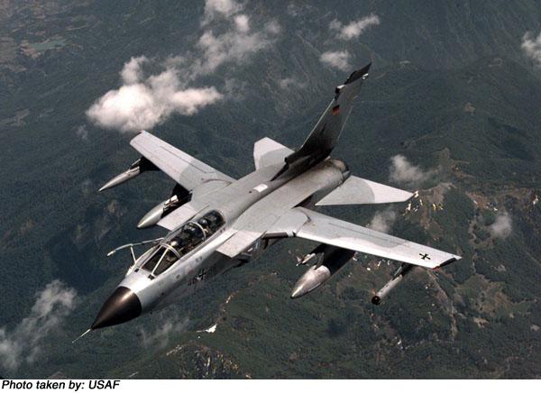 المقاتلة الاوروبية الرهيبة TORNADO المتعددة المهام من الاخر Ftornids_p_03_l
