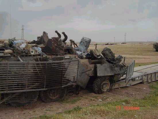 لماذا انتشرت العربات المقاومة للألغام MRAP في الشرق الأوسط؟  Strykerwithburnedoutwheelsnotmovingasclaimed