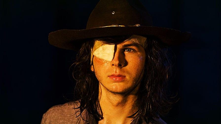 Pai do ator que interpreta Carl em The Walking Dead está revoltado com a série The-walking-dead-episodio-8-8-temporada-img-02