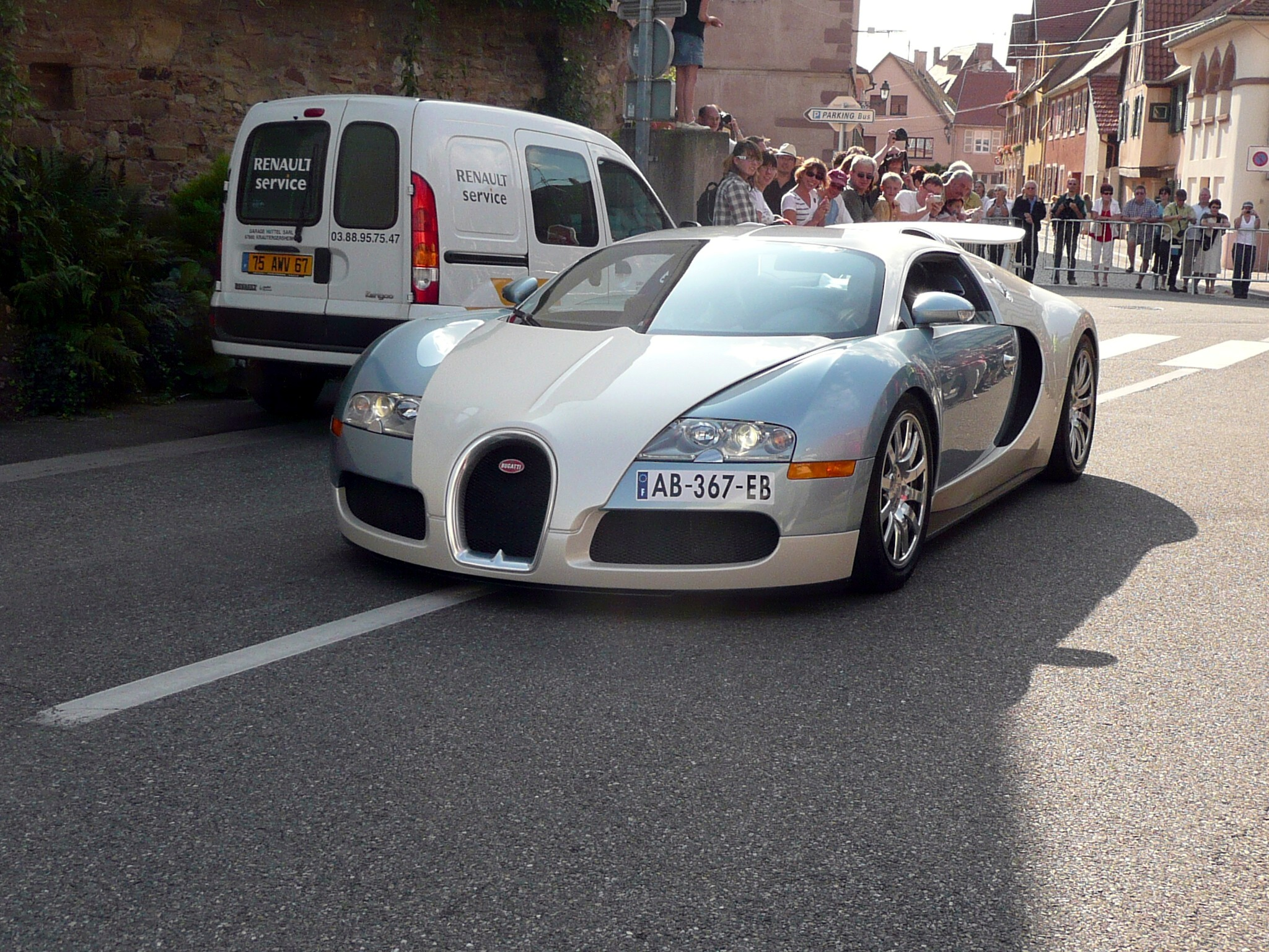 2016 - [Bugatti] Chiron  - Page 15 Molsheim_179051