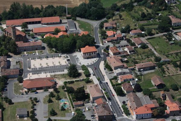 Zbulohet ''vellai i vogel'' i Beratit Berat_29773_Centre-village-vue-du-ciel