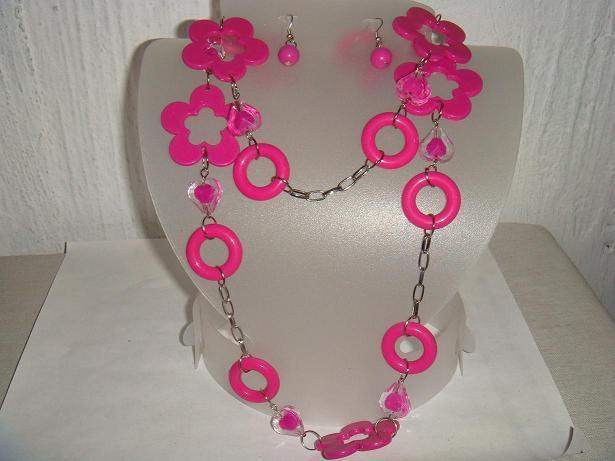 Accesorios de moda: collares, siempre vigentes 38481542_3