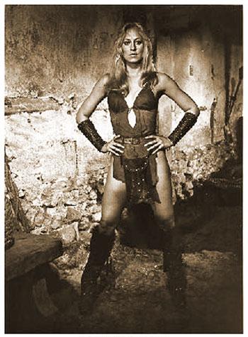 Valeria/Belit costuming Conan_D01_021