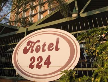 LE BON NUMERO - Page 12 Hotel224d
