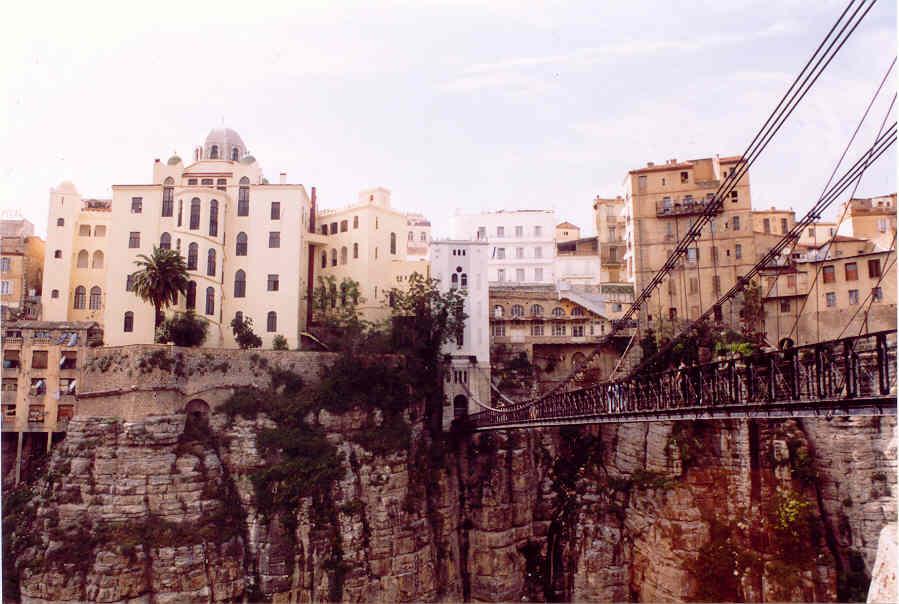 مدينة الجسور المعلقة ...  مدينة قسنطينة ... الجزائر Cne088