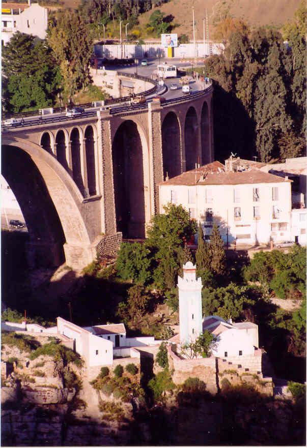 مدينة الجسور المعلقة ...  مدينة قسنطينة ... الجزائر Cne096