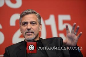 George Clooney helps launch Feed the Homeless at Christmas campaign Dec 14, 2015 George-clooney_5022827