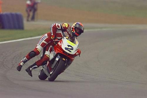 Adhérence limite dans les ronds points! Moto-fin-course