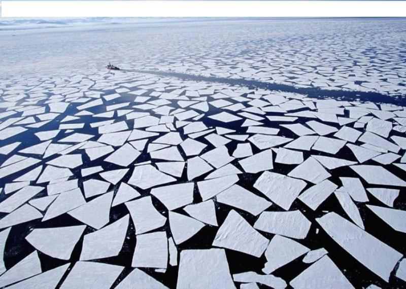 février 2009 Bateau-brise-glace