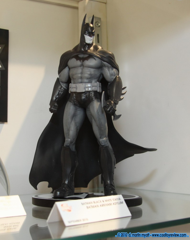 [SDCC 2010] Stand DC Direct - Batman Black & White IMG_3142