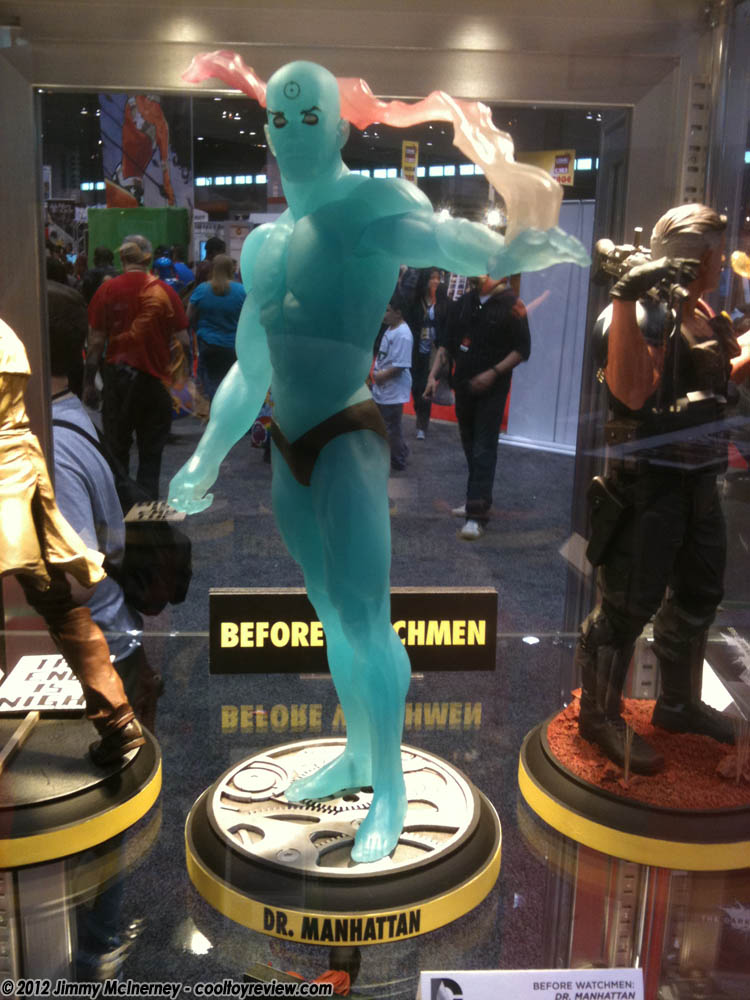 [C2E2] Stand: DC Collectibles DC_Collectibles_Dr_Manhattan-01