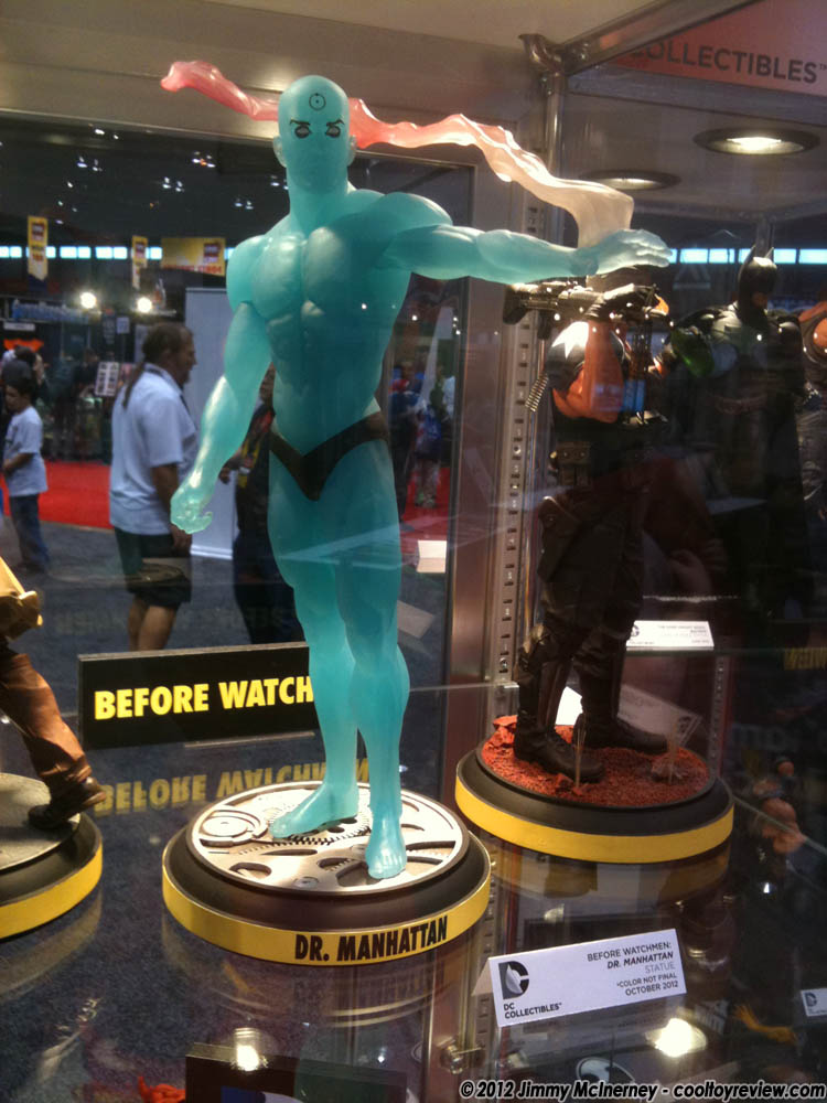 [C2E2] Stand: DC Collectibles DC_Collectibles_Dr_Manhattan-04