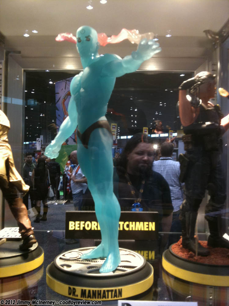 [C2E2] Stand: DC Collectibles DC_Collectibles_Dr_Manhattan-05