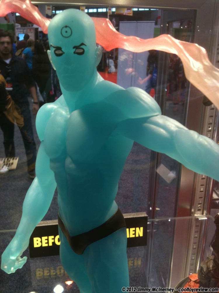[C2E2] Stand: DC Collectibles DC_Collectibles_Dr_Manhattan-08