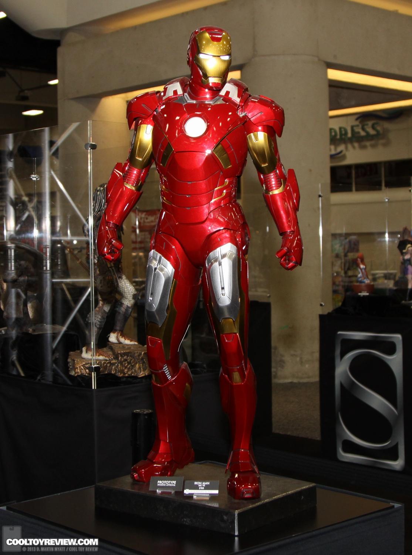 [Sideshow] Iron Man Mark VII - Legendary Scale figure - LANÇADO!!! SDCC_2013_Sideshow_Collectibles_Saturday-009