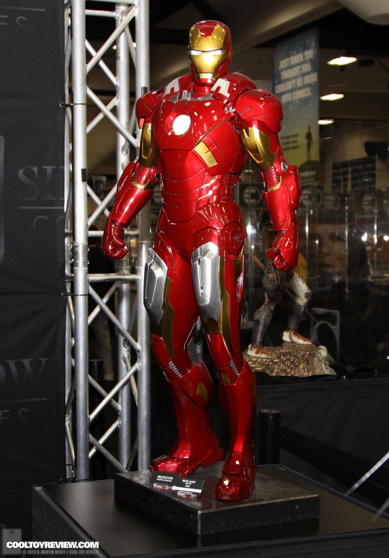 [Sideshow] Iron Man Mark VII - Legendary Scale figure - LANÇADO!!! SDCC_2013_Sideshow_Collectibles_Saturday-011