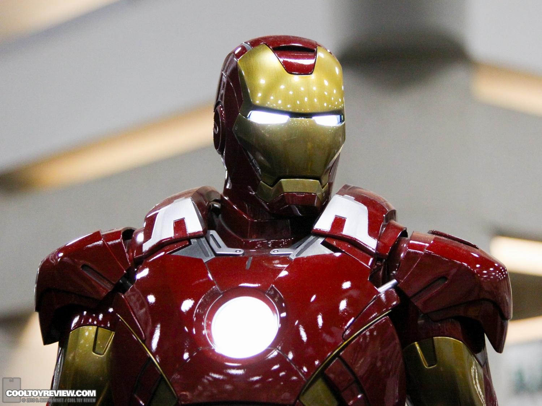 [Sideshow] Iron Man Mark VII - Legendary Scale figure - LANÇADO!!! SDCC_2013_Sideshow_Collectibles_Saturday-012